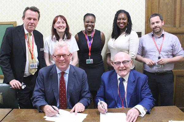 GMB sign recognition agreement with Parliamentary Labour Party