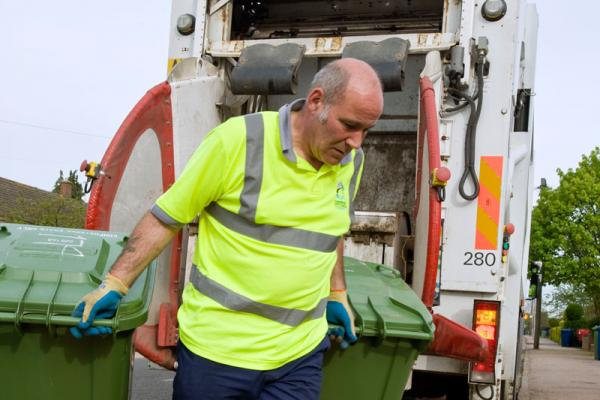 GMB London welcome Amey decisions on sick pay and reorganisation for social distancing rules in refuse services